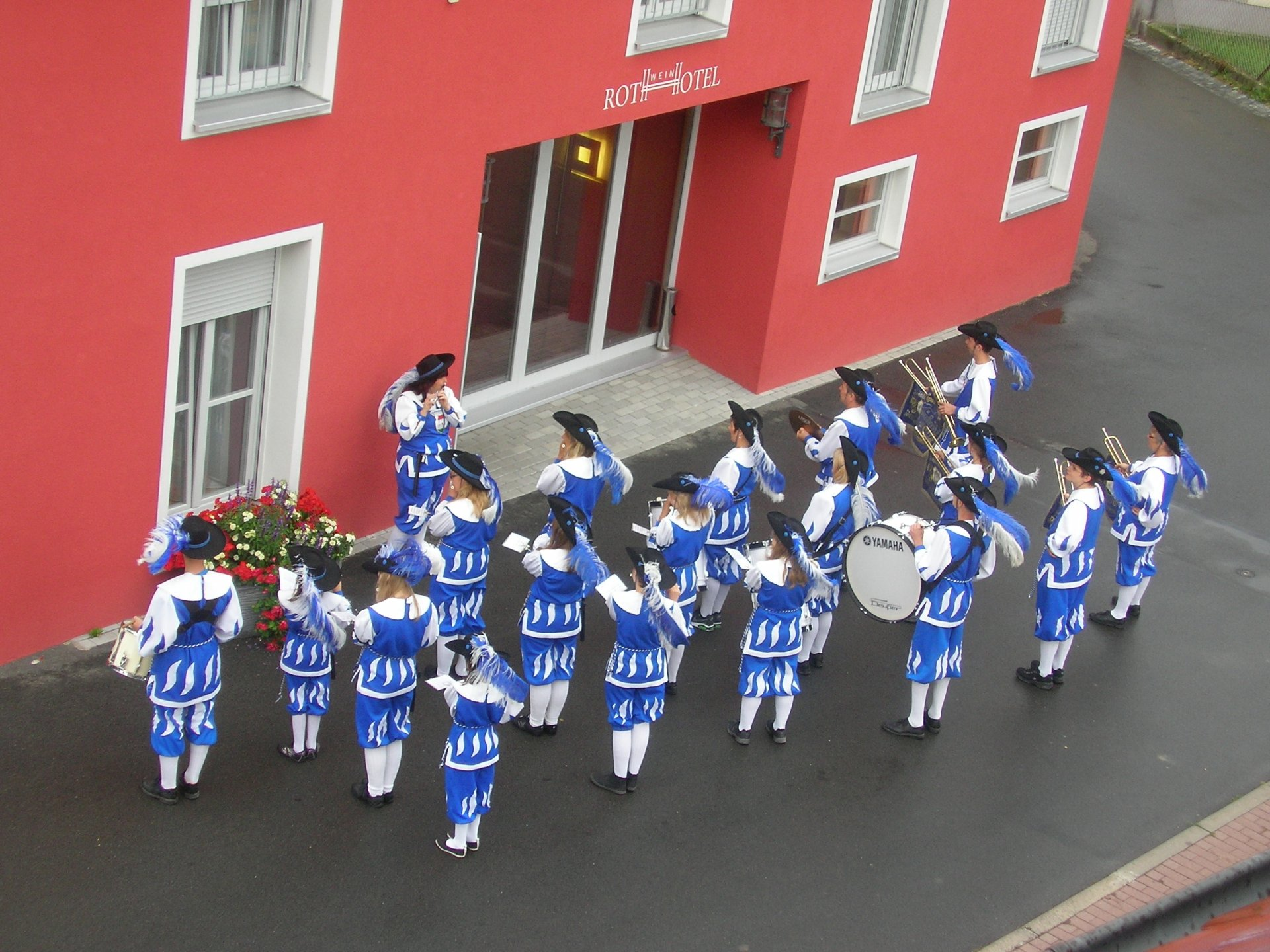 September 2013 - a serenade of the Wiesenbronn marching band