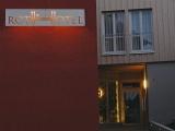 Rothweinhotel beleuchtetes Schild