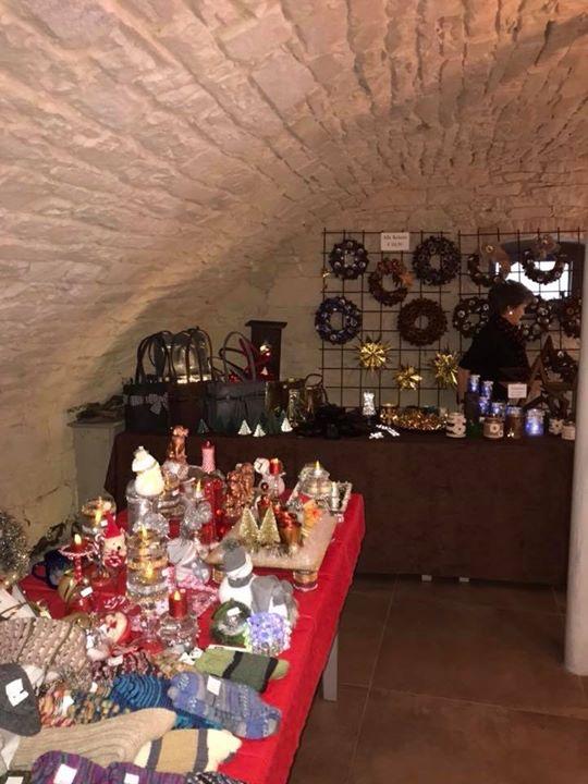 Vorweihnachtlicher Markt im Rothweinhotel