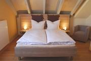 Bett im Zimmer Trester