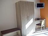 Hotelzimmer Traminer Schrank